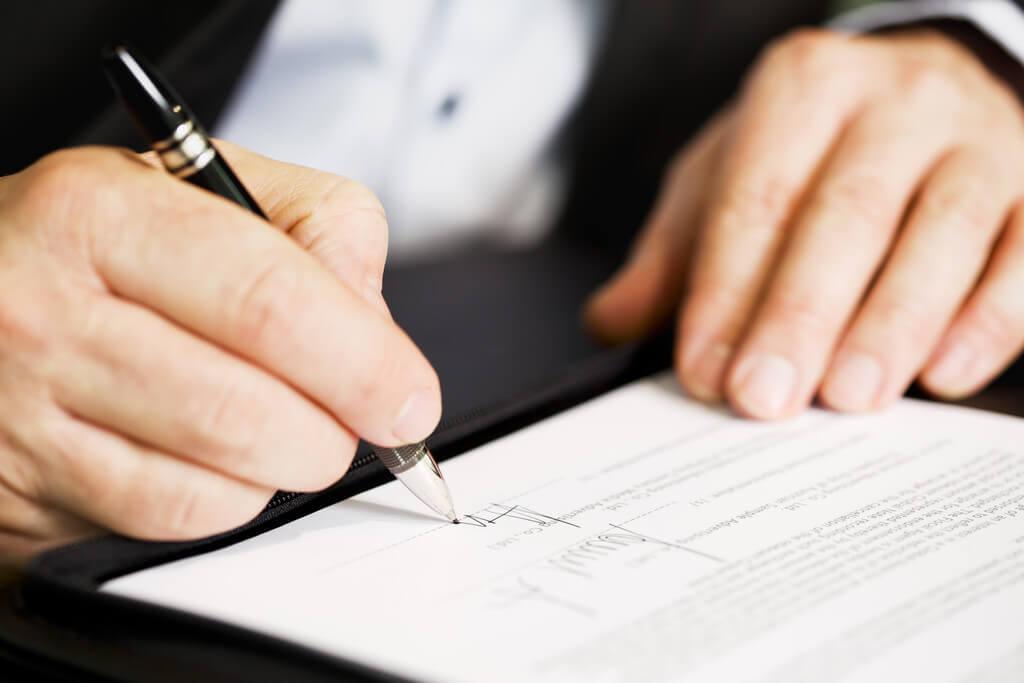 """ky hop dong mua nha - Ngân hàng Nhà nước công bố danh sách 42 ngân hàng đủ điều kiện bảo lãnh bán nhà.... """"trên giấy"""""""