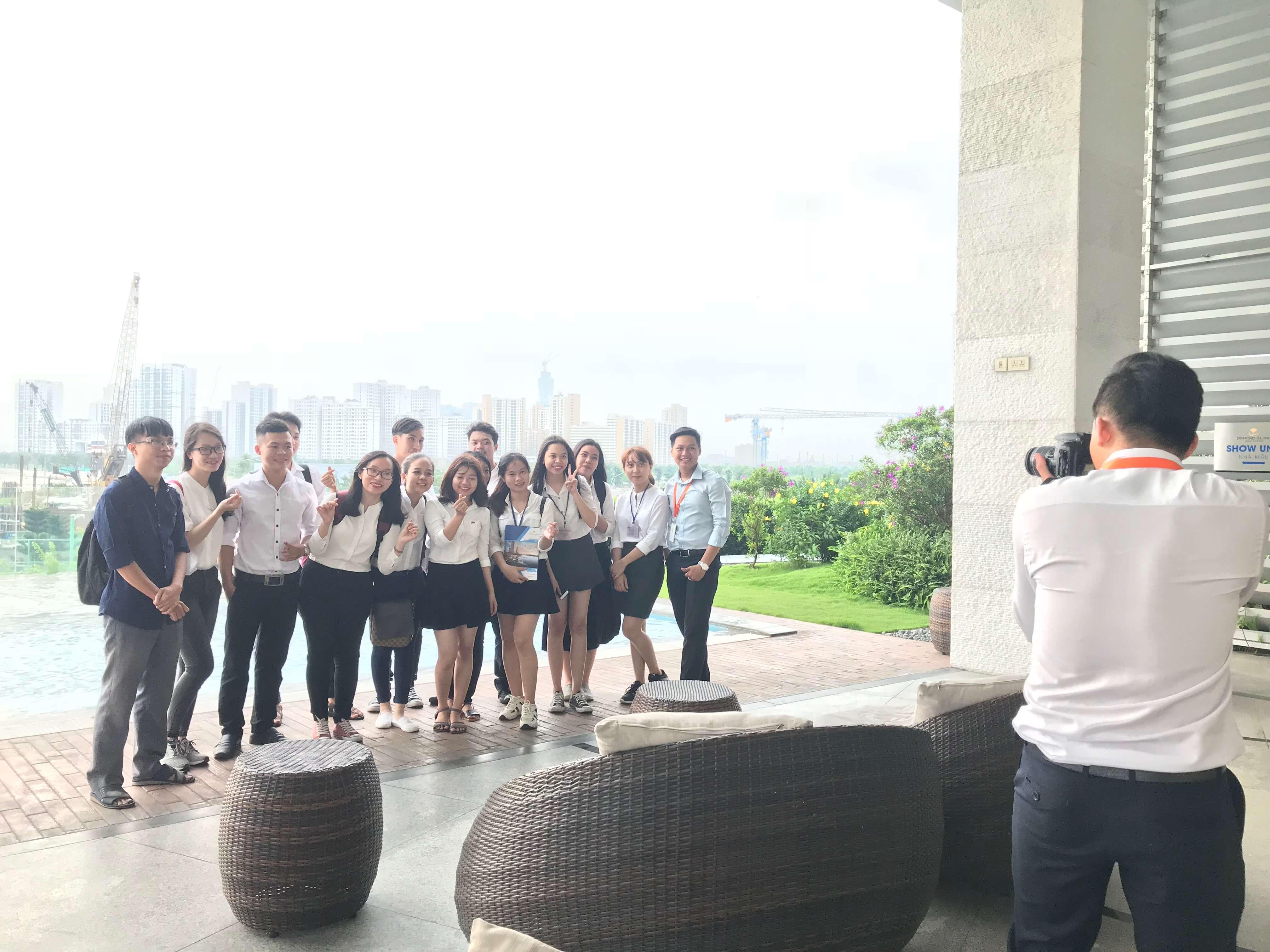 IMG 6701 - Hỗ trợ sinh viên KTH Bất Động Sản (UEH) tham quan dự án Diamond Island