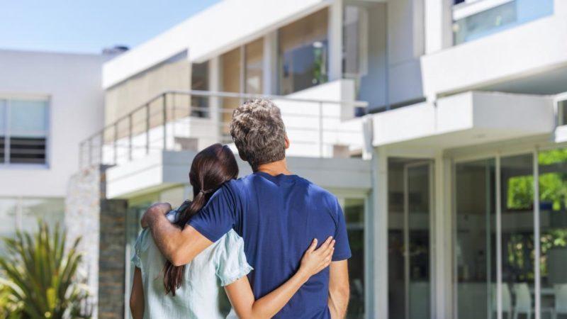 nên mua chung cư hay nhà riêng