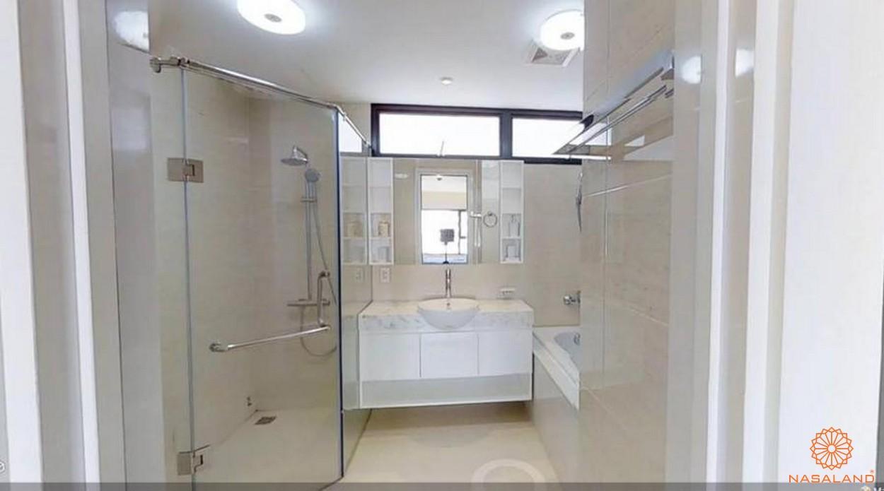 Các thiết bị nội thất trong nhà vệ sinh căn hộ New City quận 2