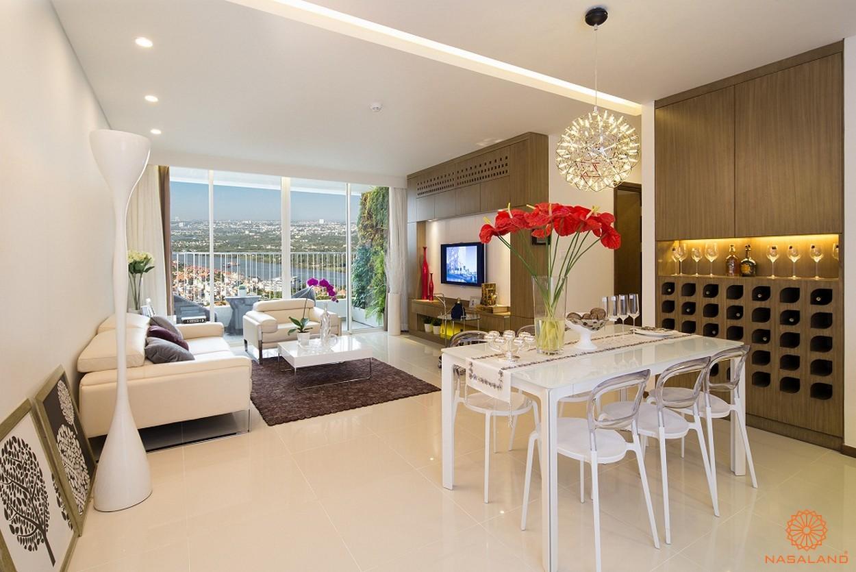 Nhà mẫu phòng khách và bàn ăn ấm cúng điển hình tại căn hộ chung cư Thảo Điền Pearl Quận 2