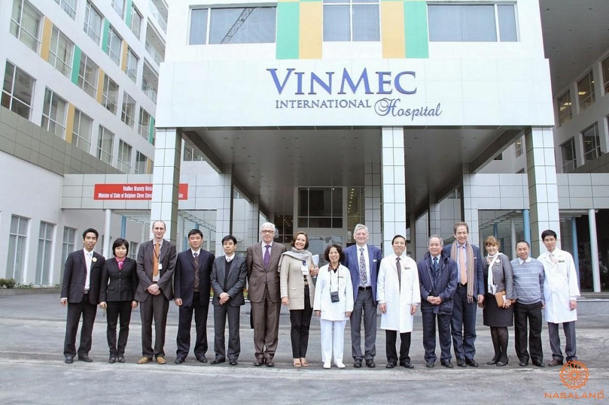 Hệ thống bệnh viện VINMEC - một trong những tiện ích cư dân Vinhomes Golden River được trải nghiệm