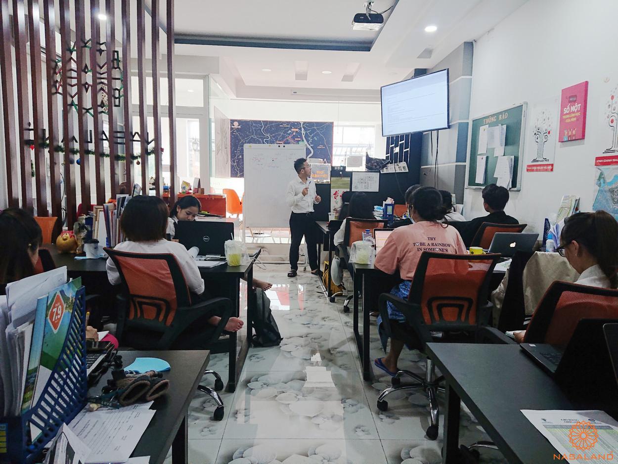 Buổi đào tạo thực tập sinh tại Nasaland