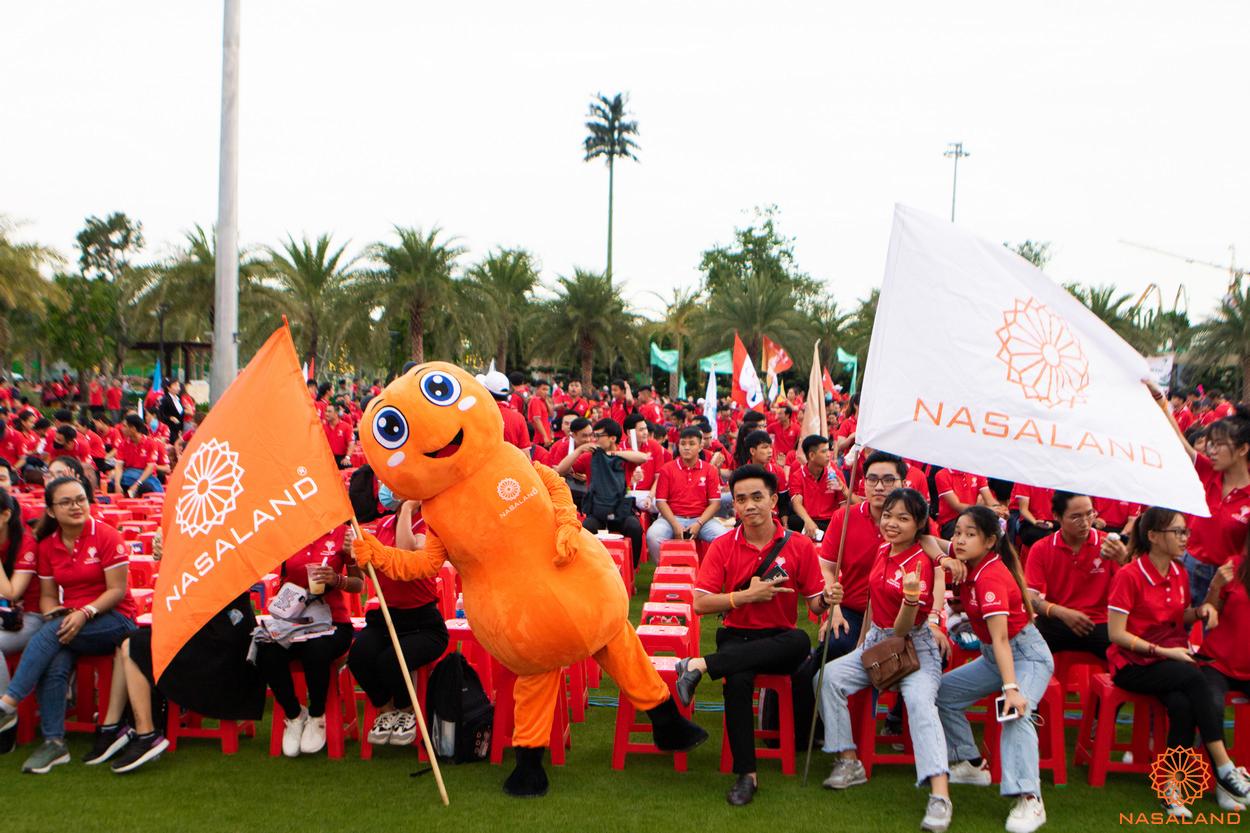 Tổng kết lễ ra quân The Origami Vinhomes Grand Park - chú kiến linh vật của Nasaland cùng đội Sale năng động nhiệt huyết