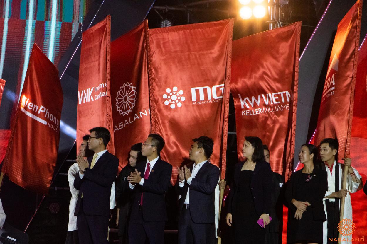 Tổng kết lễ ra quân The Origami Vinhomes Grand Park - cờ của Nasaland cùng các đại lý khác tại sự kiện