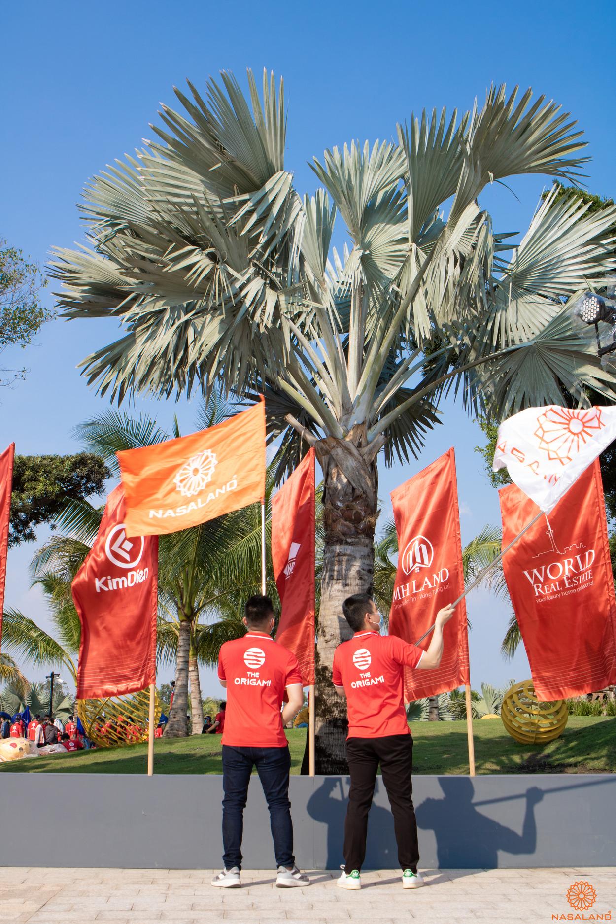 Tổng kết lễ ra quân Origami Vinhomes Grand Park - đưa cờ Nasaland vào chung với cờ của đại lý khác
