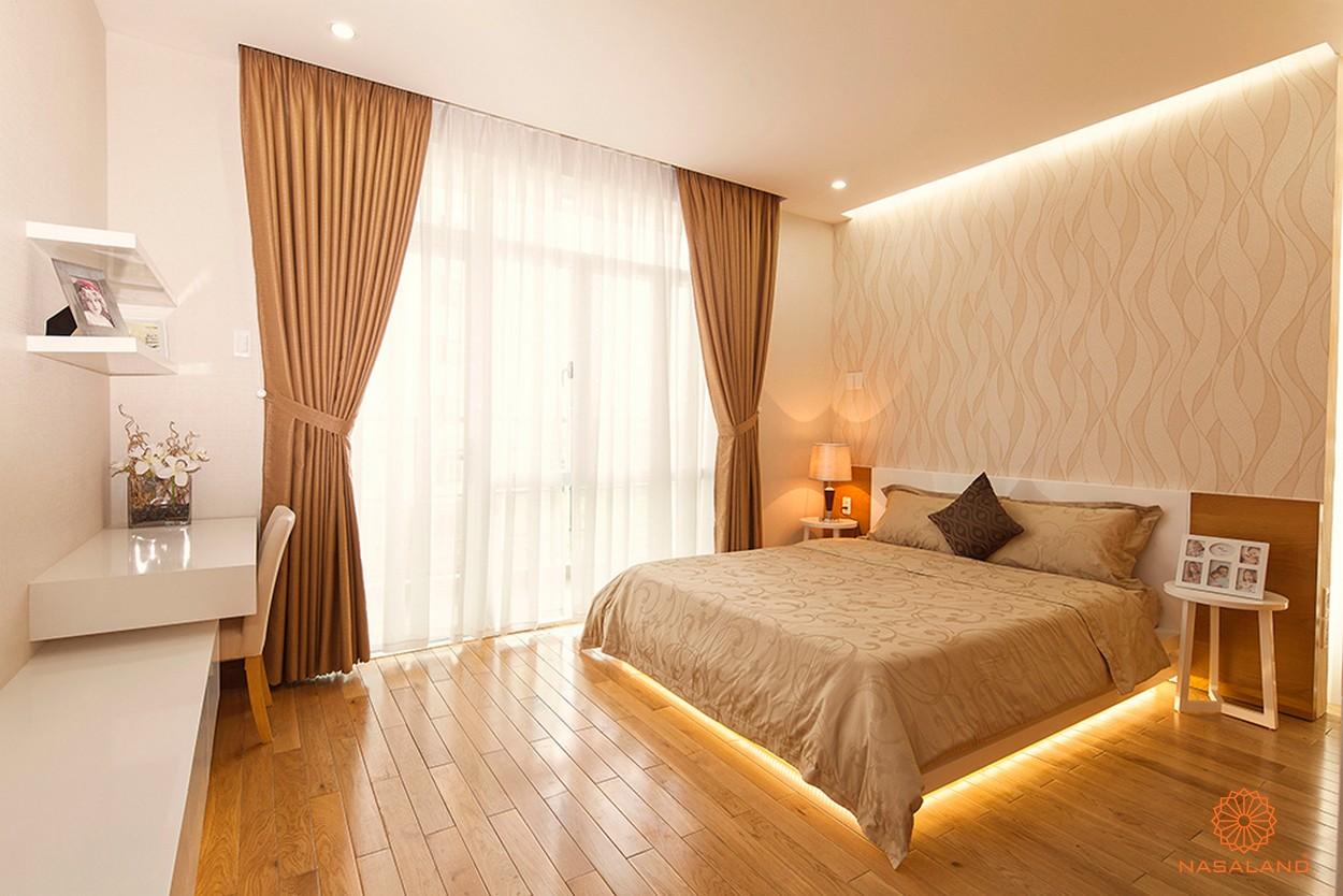 Nhà mẫu phòng ngủ dự án cùng ánh đèn dưới giường