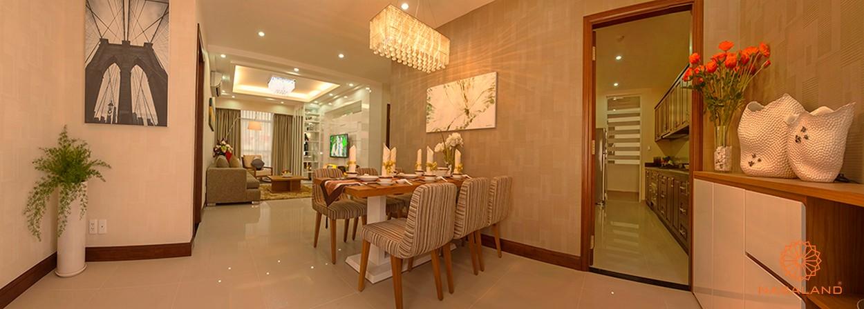 Nội thất bàn ăn cùng phòng khách và bếp của dự án