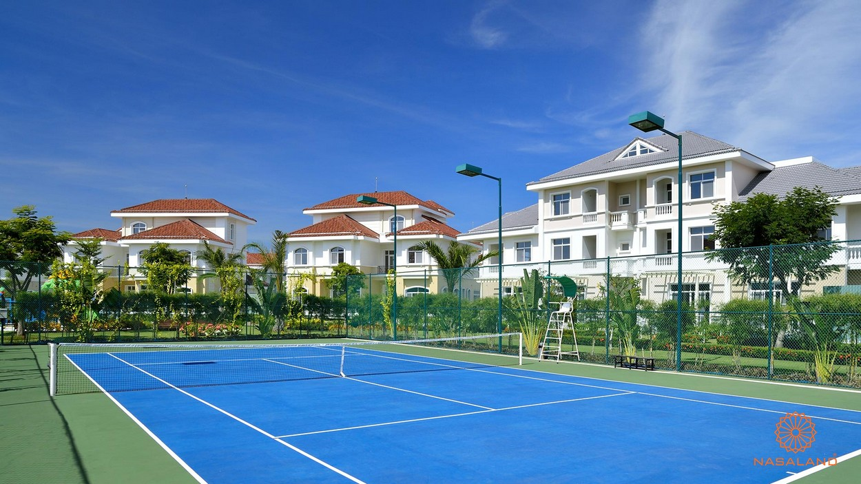 Sân tennis tại dự án biệt thự Chateau Quận 7