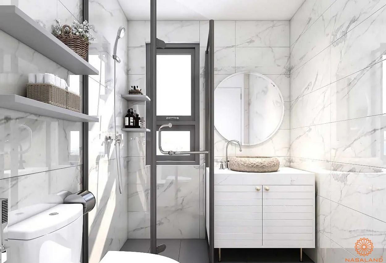 Nội thất phòng tắm đầy đủ tiện nghi được lót gạch tường tăng độ thẩm mỹ tại căn hộ The Pegasuite 3