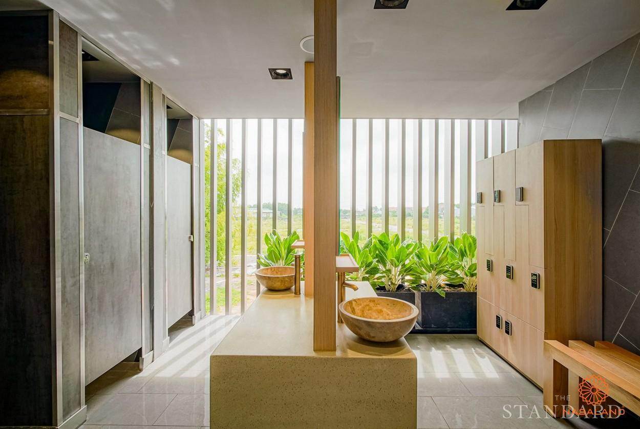 Phòng thay đồ và tắm của dự án