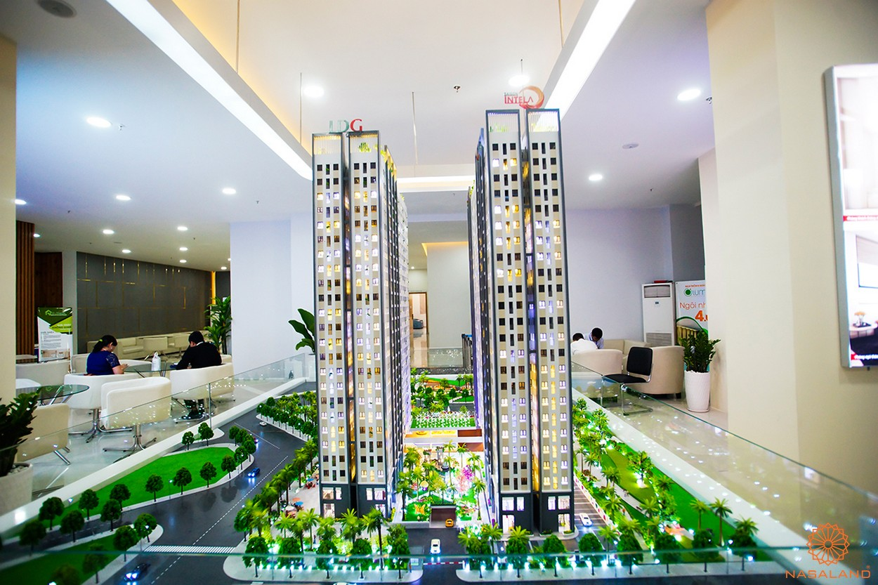 Sa bàn nhà mẫu dự án căn hộ Saigon Intela