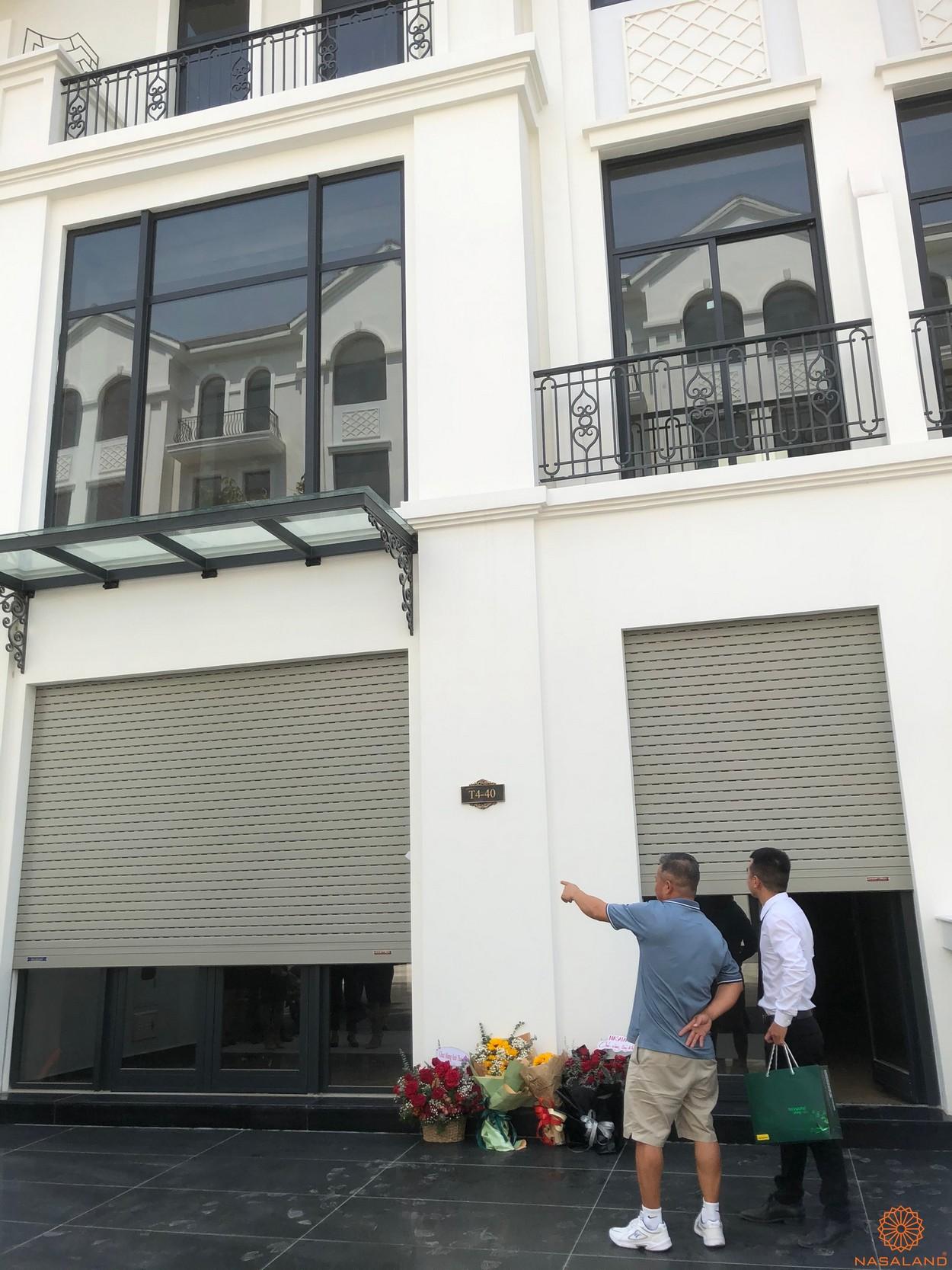 Nhận nhà The Manhattan Vinhomes cùng Nasaland - Khách hàng đến xem nhà